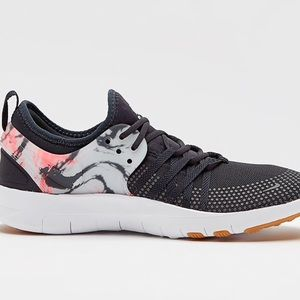 reputable site d72c6 78c27 Nike Shoes - NWT Women s Nike Free TR 7 Anthracite White Shoes